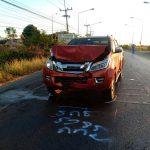 รถยนต์กระบะชนรถจักรยานยนต์เลี้ยวออกจากทางแยกเจ้าหน้าที่ทันตกรรมเสียชีวิตคาที่