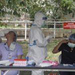 เร่งตรวจหาเชื้อไวรัสโควิด 19 บุคลากรทางการแพทย์โรงพยาบาลอยุธยา  ตรวจไปแล้ว 700 รายไม่พบเชื้อเพิ่ม
